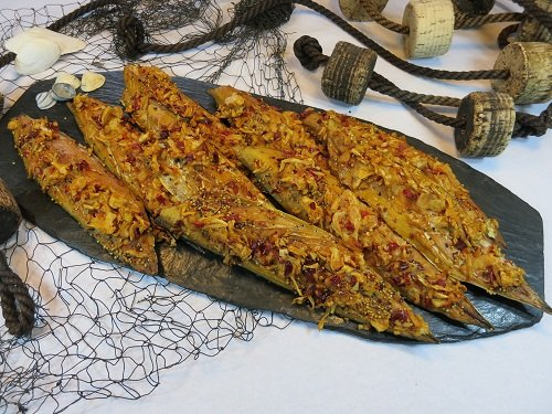 Zwiebel-Makrele geräuchertes Makrelenfilet