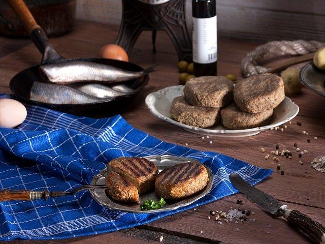 Heringsfrikadelle hausgemachte Frikadelle Fischfrikadelle ca. 95g